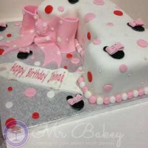 No1 Shaped Cake